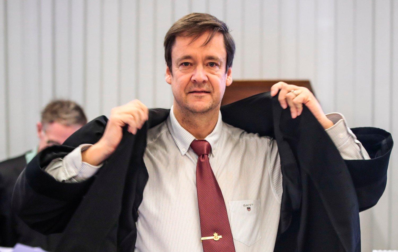 John Christian Elden har jobbet med en rekke av de største straffesakene i noen tiår. Her fra den pågående rettssaken med Eirik Jensen, som han forsvarer, og Gjermund Cappelen.