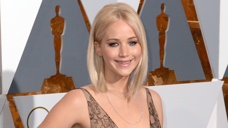 FORLOVET: Jennifer Lawrence skal gifte seg.