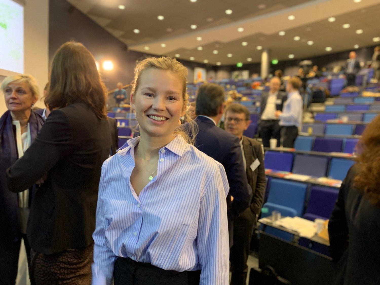 Cilia Holmes Indahl vil bevise at det er mer lønnsomt å satse på bærekraft. Derfor sluttet hun hos Røkkes Aker og takket ja til stillingen som direktør i investeringsselskapet Nordic Impact. Foto: Magnus Ekeli Mullis