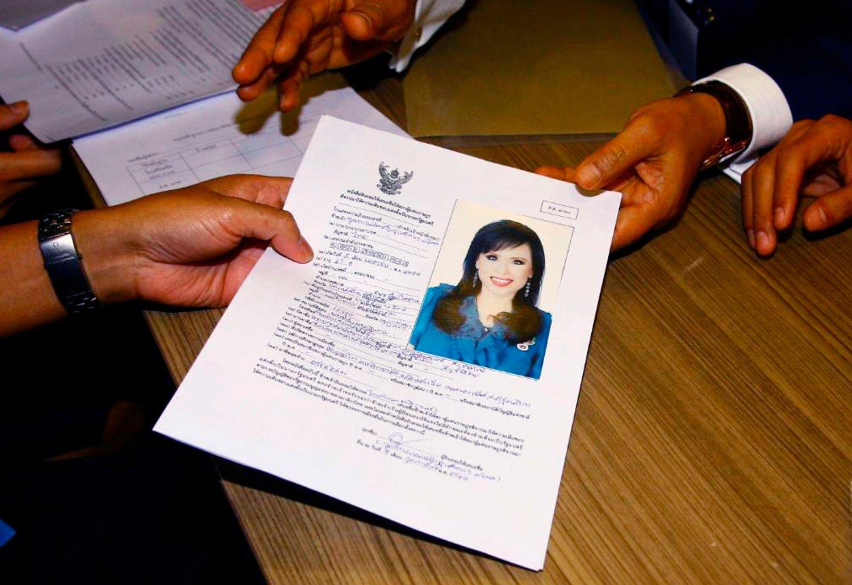 Prinsesse Ubolratana er formelt diskvalifisert som statsministerkandidat i valget i Thailand etter at kongen, hennes lillebror, sa det var grunnlovsstridig. Foto: AP / NTB scanpix