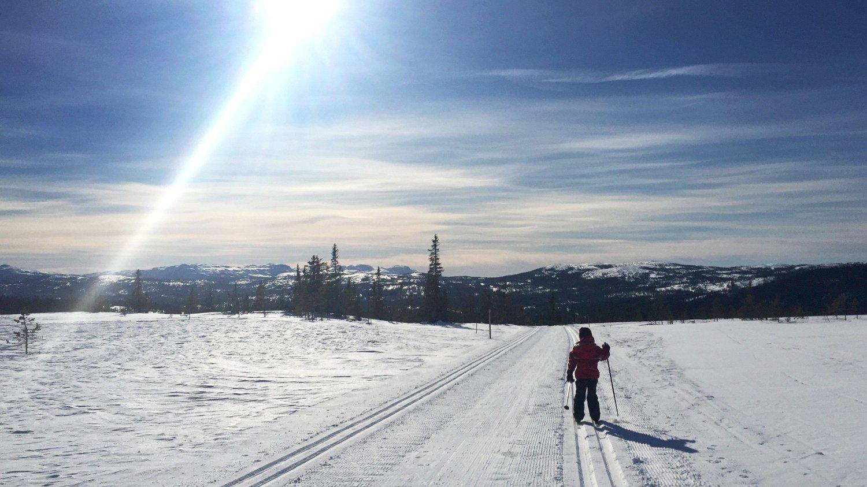 PÅSKEVÆR: Meteorologene melder om sol og blå himmel, men nok kulde til at snøen holder seg i påsken. Foto: Tor Richardsen / NTB scanpix