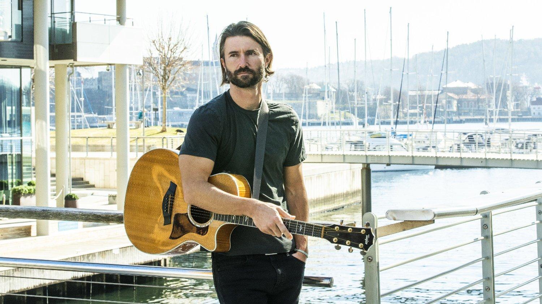 I OSLO: Brandon Jenner er ikke bare halv- og stebror til realitykjendisene i Jenner/Kardashian-slekten: Han er også en habil musiker og låtskriver, som snart slipper sin tredje EP også her i Norge - hvor han spilte konserter i helgen.