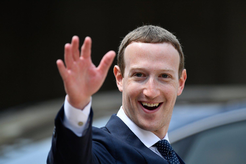 DYR FYR: Mark Zuckerberg under et møte med den franske presidentenEmmanuel Macron i mai 2018. Sikkerhetstiltak rundt Zuckerberg kostet Facebook nesten 23 millioner dollar i 2018.