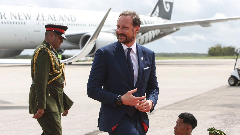 Kronprins Haakon gjennomgikk en operasjon i det ene øret tidligere i år. Bildet er bra et besøk på Tonga.