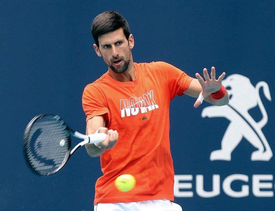 Novak Djokovic hadde god kontroll på vei mot kvartfinale i Monte Carlo Masters. Foto: Charles Trainor Jr. / Miami Herald via AP / NTB scanpix