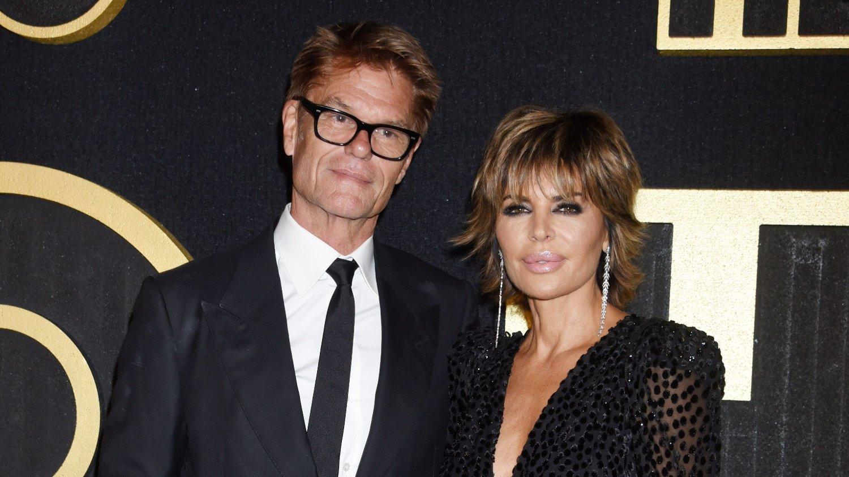 HEFTIG EKTESKAP: Harry Hamlin og Lisa Rinnas ekteskap har vart i 22 år, som er for livstid å regne i Hollywood. Nå avslører hun hvordan de har beholdt gnisten.