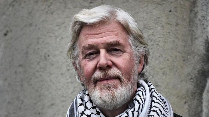 KALT INN PÅ TEPPET: Bussjåfør Ole Roger Berg forteller at han ble kalt inn på teppet, da han vitset om navnebyttet fra NSB til Vy.