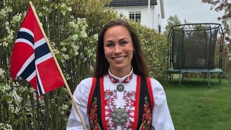 BUNADSPRESS: I en ny undersøkelse av YouGov viser det at mange norske kvinner gjerne skulle hatt bunad, men har ikke råd.