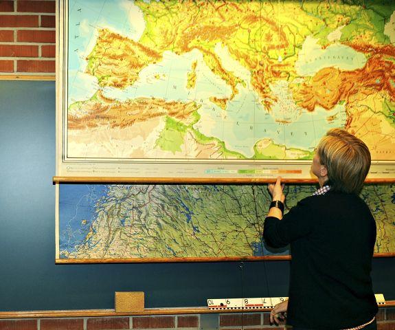 skole kart Flink pike: Interessert i gamle skolekart??