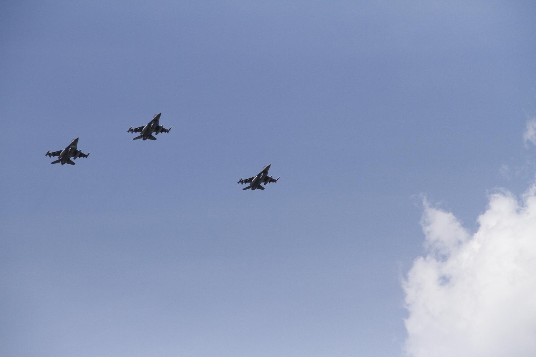 F16-fly: