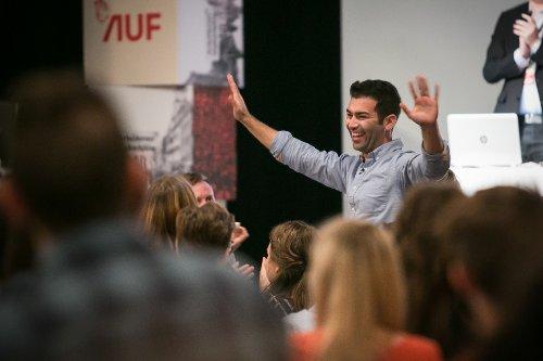 Mani Hussaini er valgt til ny leder av AUF under Arbeidernes ungdomsfylking (AUF) sitt landsmøte i Oslo søndag. Foto: Audun Braastad / NTB scanpix