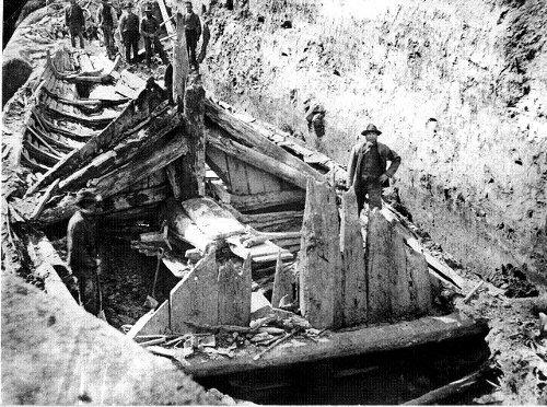 Gokstadskipet ble gravd ut på Gokstad gård i Sandefjord i 1880 og er det største vikingskipet funnet